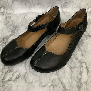 Taos Samba 2 Mary Jane Black Leather Heel Shoes